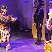 NLD/Amsterdam/20160216 - Musical The Lion King is terug!, cast, Rafiki en Simba