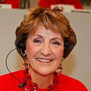 NLD/Hilversum/20100121 - Benefietactie voor het door een aardbeving getroffen Haiti, prinses Margriet van Vollenhoven