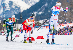 24.02.2019, Langlauf Arena, Seefeld, AUT, FIS Weltmeisterschaften Ski Nordisch, Seefeld 2019, Langlauf, Damen, Teambewerb, im Bild v.l. Sandra Ringwald (GER), Maiken Caspersen Falla (NOR), Maja Dahlqvist (SWE) // f.l. Sandra Ringwald of Germany Maiken Caspersen Falla of Norway and Maja Dahlqvist of Sweden during the ladie's cross country team competition of FIS Nordic Ski World Championships 2019 at the Langlauf Arena in Seefeld, Austria on 2019/02/24. EXPA Pictures © 2019, PhotoCredit: EXPA/ Stefan Adelsberger