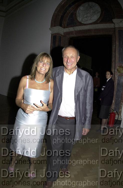 Sir Richard and Lady Rogers. Apocalypse opening. Royal Academy. 18 September 2000. © Copyright Photograph by Dafydd Jones 66 Stockwell Park Rd. London SW9 0DA Tel 020 7733 0108 www.dafjones.com