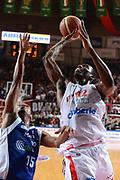 DESCRIZIONE : Varese Lega A 2012-13 Cimberio Varese cheBolletta Cantu<br /> GIOCATORE : Bryan Dunston<br /> CATEGORIA : tiro sequenza<br /> SQUADRA : Cimberio Varese<br /> EVENTO : Campionato Lega A 2012-2013<br /> GARA : Cimberio Varese cheBolletta Cantu<br /> DATA : 29/10/2012<br /> SPORT : Pallacanestro <br /> AUTORE : Agenzia Ciamillo-Castoria/GiulioCiamillo<br /> Galleria : Lega Basket A 2012-2013  <br /> Fotonotizia : Varese Lega A 2012-13 Cimberio Varese cheBolletta Cantu<br /> Predefinita :