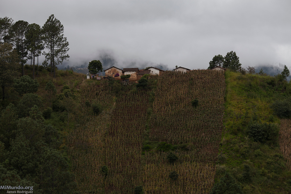 Panorama of homes in the Chuisiguan de Xesaná Hamlet the day of the community consultation on extractive and energy industries in Santa Maria Chiquimula. Since 2005, the consultation processes carried out in indigenous territories in Guatemalan are considered a preventive measure in the struggle to protect indigenous territories and their cultures from industrial projects. Chuisiguan de Xesaná, Santa Maria Chiquimula, Totonicapan, Guatemala. October 26, 2014.