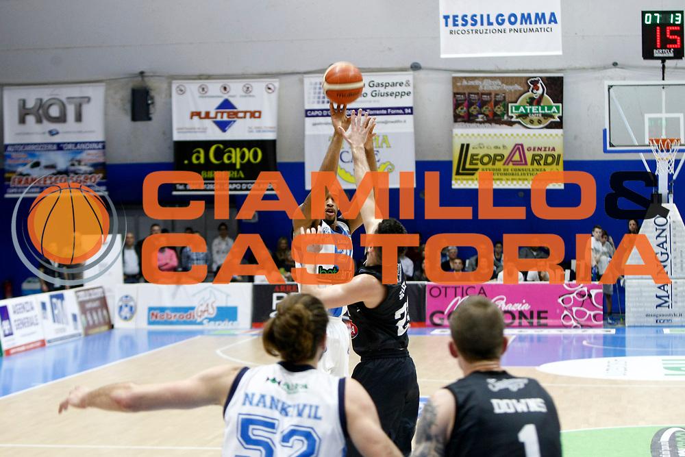 DESCRIZIONE : Capo dOrlando Lega A 2015-16 Betaland Capo d Orlando Pasta Reggia Caserta<br /> GIOCATORE : Laurence Bowers<br /> CATEGORIA : Tiro Three Point<br /> SQUADRA : Orlandina Basket<br /> EVENTO : Campionato Lega A Beko 2015-2016 <br /> GARA : Betaland Capo d Orlando Pasta Reggia Caserta<br /> DATA : 28/02/2016<br /> SPORT : Pallacanestro <br /> AUTORE : Agenzia Ciamillo-Castoria/G.Pappalardo<br /> Galleria : Lega Basket A 2015-2016<br /> Fotonotizia : Capo dOrlando Lega A 2015-16 Betaland Capo d Orlando Pasta Reggia Caserta