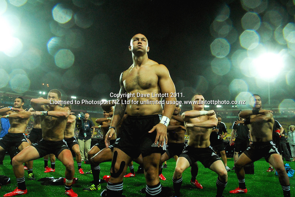 NZ captain DJ Forbes leads a haka after the Cup final win over England. IRB Wellington Sevens - Day two at Westpac Stadium, Wellington, New Zealand on Saturday, 5 February 2011. Photo: Liz Brooker / photosport.co.nz