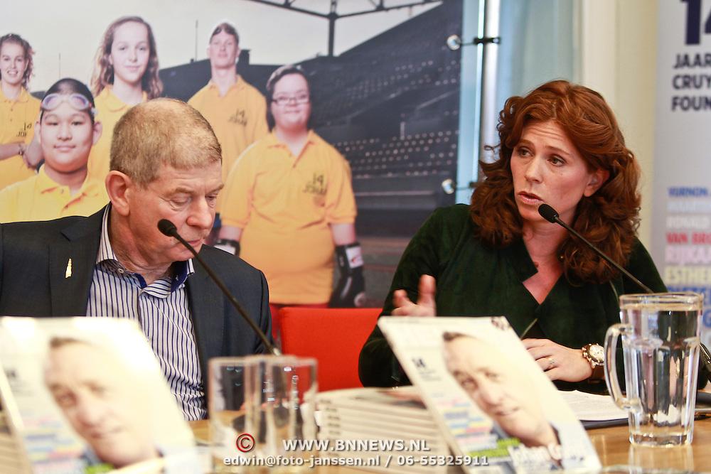 NLD/Amsterdam/20110314 - Presentatie nieuwe Helden en 14 jarig bestaan Johan Cruijff Foundation, Frits Barend en dochter Barbara