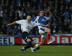 PORTSMOUTH, ENGLAND - SATURDAY, DECEMBER 9th, 2006: Lee Carsley of Everton and Sean Davis of Portsmouth during the Premiership match at Fratton Park. (Pic by Chris Ratcliffe/Propaganda)