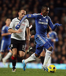 10.11.2010, Stamford Bridge, London, ENG, PL, FC Chelsea vs FC Fulham, im Bild Salomon Kalou of Chelsea  in action with Fulham's Danny Murphy (Captain)    during Chelsea fc vs  Fulham fc for the EPL at Stamford Bridge in London on 10/11/2010. EXPA Pictures © 2010, PhotoCredit: EXPA/ IPS/ Marcello Pozzetti +++++ ATTENTION - OUT OF ENGLAND/UK +++++