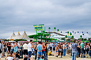 Crowds of people at Global Gathering festival, Long Marston Airfield, Stoke on Trent, UK. 28/29 July 2006