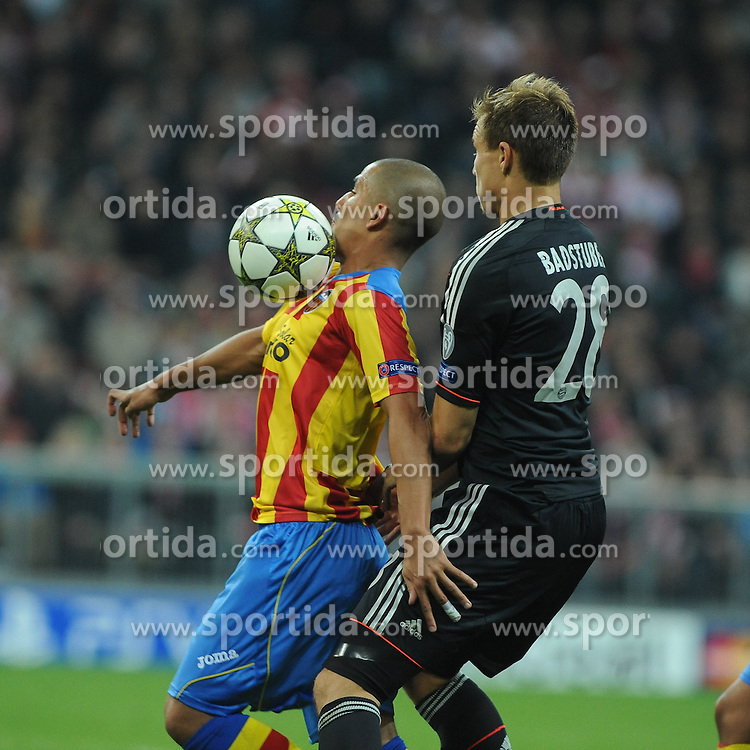 19.09.2012, Allianz Arena, Muenchen, GER, UEFA Champions League, FC Bayern Muenchen vs FC Valencia, Gruppe F, im Bild Links Sofiane FEGHOULI (FC Valencia), daneben Holger BADSTUBER (FC Bayern Muenchen) // during the UEFA Champions League group F match between FC Bayern Munich and Valencia CF at the Allianz Arena, Munich, Germany on 2012/09/19. EXPA Pictures © 2012, PhotoCredit: EXPA/ Eibner/ Wolfgang Stuetzle..***** ATTENTION - OUT OF GER *****