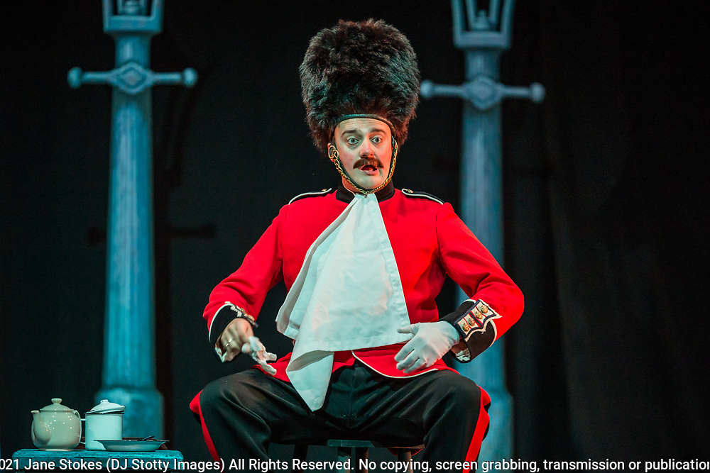 Baritone Matthew Siviter in the role of Private Willis<br />