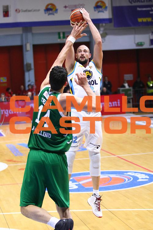 Cremona 20 dicembre  2015<br /> Basket Serie A<br /> Vanoli Cremona- Sidigas Avellino<br /> Nella foto: Marco Cusin<br /> foto F.Zovadelli/Ciamillo