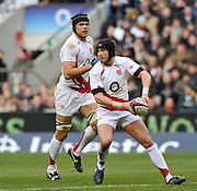 Twickenham, GREAT BRITAIN, Danny CIPRIANI, looking to pass the ball  during the Investec Challenge Series, England vs South Africa  [RSA], Autumn Rugby International at Twickenham Stadium, Surrey on Sat 22.11.2008 [Photo, Peter Spurrier/Intersport-images]