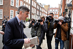 © Licensed to London News Pictures. 27/03/2019. London, UK. Jacob Rees-Mogg MP arrives at his home after appearing on a radio interview in Westminster this morning. Later today MPs are expected to vote on a series of indicative votes on alternative proposals to British Prime Minister Theresa May's withdrawal agreement. Photo credit : Tom Nicholson/LNP