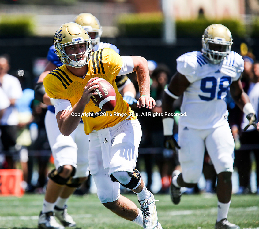 LOS ANGELES, CA - APRIL 23, 2016:  UCLA quarterback Josh Rosen looks to complete a pass during the UCLA Spring showcase on Saturday, April 23, 2016 at Drake Stadium, on the UCLA campus in Los Angeles. (Photo by Ringo H.W. Chiu / For The Times)