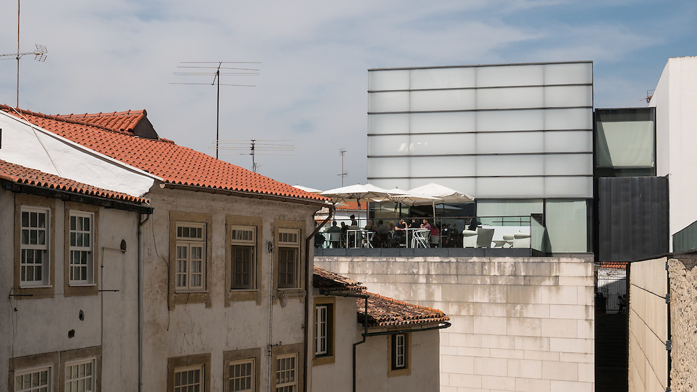 It is fascintating to see how Portuguese architects integrate the historical structures with modern ones.