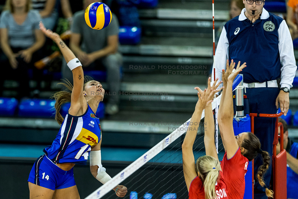 11-08-2018 NED: Rabobank Super Series Italy - Russia, Eindhoven<br /> Russia defeats Italiy with 3-0 and goes to the final on sunday / Elena Pietrini #14 of Italy