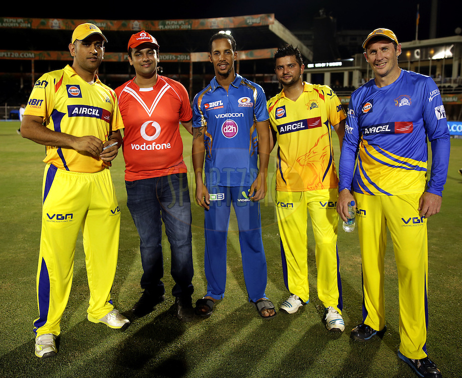 MS Dhoni captain of The Chennai Superkings(L TO R) Vodafone Winner,Lendl Simmons of the Mumbai Indians ,Suresh Raina of The Chennai Superkings and David Hussey of the Chennai Superkings during the presentation of the eliminator match of the Pepsi Indian Premier League Season 2014 between the Chennai Superkings and the Mumbai Indians held at the Brabourne Stadium, Mumbai, India on the 28th May  2014<br /> <br /> Photo by Sandeep Shetty / IPL / SPORTZPICS<br /> <br /> <br /> <br /> Image use subject to terms and conditions which can be found here:  http://sportzpics.photoshelter.com/gallery/Pepsi-IPL-Image-terms-and-conditions/G00004VW1IVJ.gB0/C0000TScjhBM6ikg