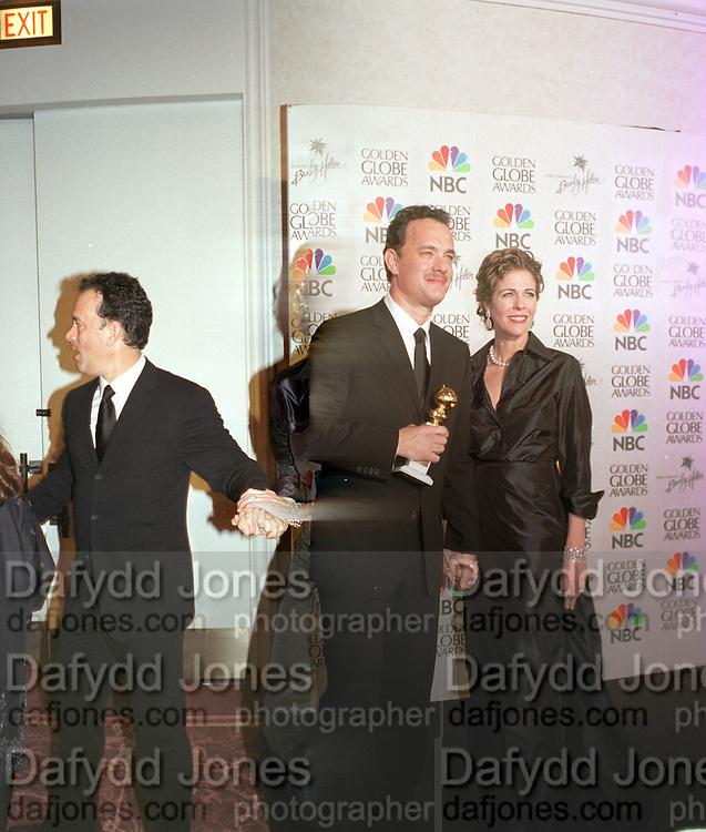 Tom Hanks and Rita Wilson. Golden Globes. Beverley Hilton. 21 January 2001. © Copyright Photograph by Dafydd Jones 66 Stockwell Park Rd. London SW9 0DA Tel 020 7733 0108 www.dafjones.com
