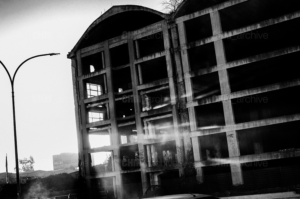 The building during the evacuation of a former penicillin factory (Rear) where migrants from Africa but also Italians, lived in precarious conditions, on December 10, 2018 on via Tiburtina in Rome. Christian Mantuano / OneShot