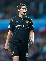 BIRMINGHAM, ENGLAND - Monday, October 5, 2009: Manchester City's Gareth Barry in action against Aston Villa during the Premiership match at Villa Park. (Pic by David Rawcliffe/Propaganda)