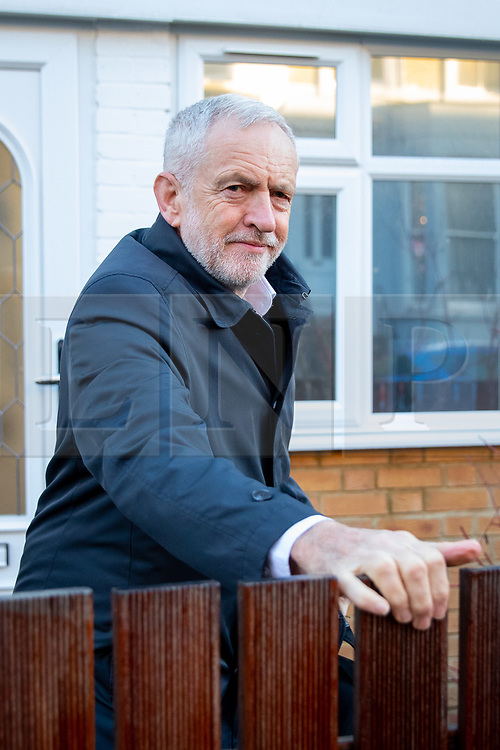 © Licensed to London News Pictures. 30/01/2019. London, UK. Leader of the Labour Party Jeremy Corbyn leaves home this morning. Yesterday Corbyn said he would meet with British Prime Minister Theresa May to discuss Brexit, after MPs backed a non-binding amendment to reject leaving the EU without a deal. Photo credit : Tom Nicholson/LNP