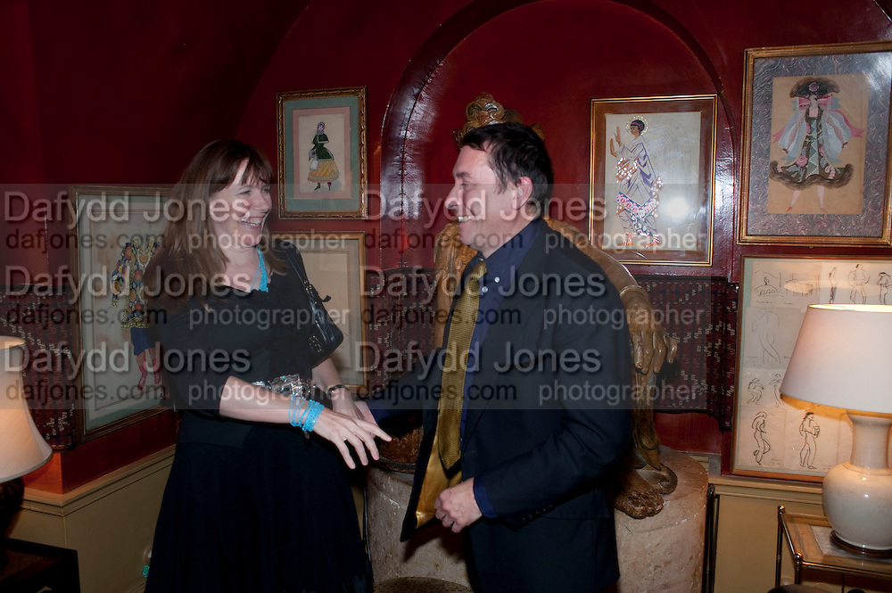 CHRISTABEL HOLLAND; JOOLS HOLLAND, BRIONI FRAGRANCE LAUNCH. Annabels. Berkeley Sq. London. 14 October 2009.