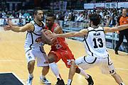 DESCRIZIONE : Caserta campionato serie A 2013/14 Pasta Reggia Caserta EA7 Olimpia Milano<br /> GIOCATORE : Keith Langford<br /> CATEGORIA : palleggio penetrazione curiosita'<br /> SQUADRA : EA7 Olimpia Milano<br /> EVENTO : Campionato serie A 2013/14<br /> GARA : Pasta Reggia Caserta EA7 Olimpia Milano<br /> DATA : 27/10/2013<br /> SPORT : Pallacanestro <br /> AUTORE : Agenzia Ciamillo-Castoria/GiulioCiamillo<br /> Galleria : Lega Basket A 2013-2014  <br /> Fotonotizia : Caserta campionato serie A 2013/14 Pasta Reggia Caserta EA7 Olimpia Milano<br /> Predefinita :