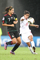 17.07.2010,  Augsburg, GER, FIFA U20 Womens Worldcup, England vs Mexico,  im Bild Rangel Nayeli (Mexico Nr.7) und Cuellar Renae (Mexico Nr.11) , EXPA Pictures © 2010, PhotoCredit: EXPA/ nph/ . Straubmeier+++++ ATTENTION - OUT OF GER +++++