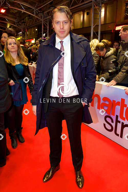 AMSTERDAM - In het Tuschinski theater is de nieuwe Nederlandse film 'Harten Straat' in premiere gegaan. Met op de rode loper   Mark van Eeuwen. FOTO LEVIN DEN BOER - PERSFOTO.NU