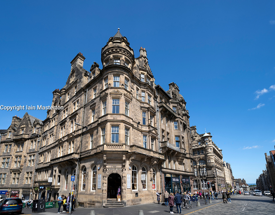 View of ornate old buildings at Cockburn Street and Royal Mile in Edinburgh Old town, Scotland, UK