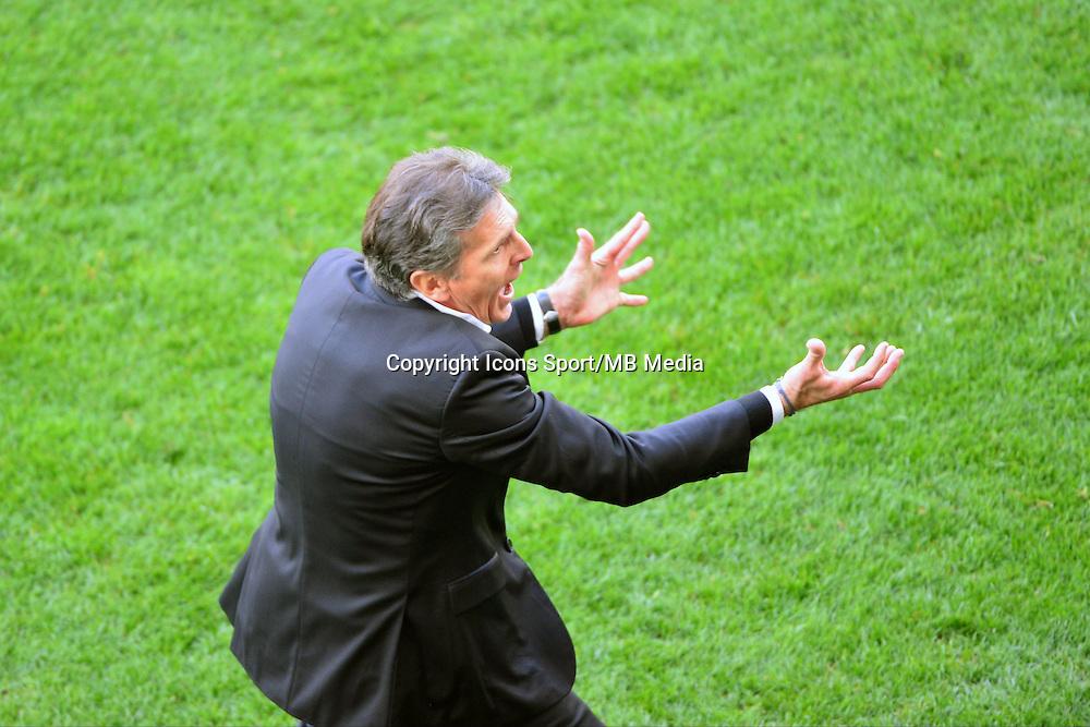 Expulsion de Claude PUEL - 12.04.2015 - Reims / Nice - 32eme journee de Ligue 1 <br />Photo : Dave Winter / Icon Sport