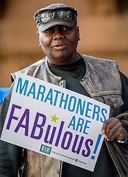 06-11-2016 USA: NYC Marathon We Run 2 Change Diabetes day 3, New York<br /> De dag van de marathon, 42 km en 195 meter door de straten van Staten Island, Brooklyn, Queens, The Bronx en Manhattan / Support, publiek