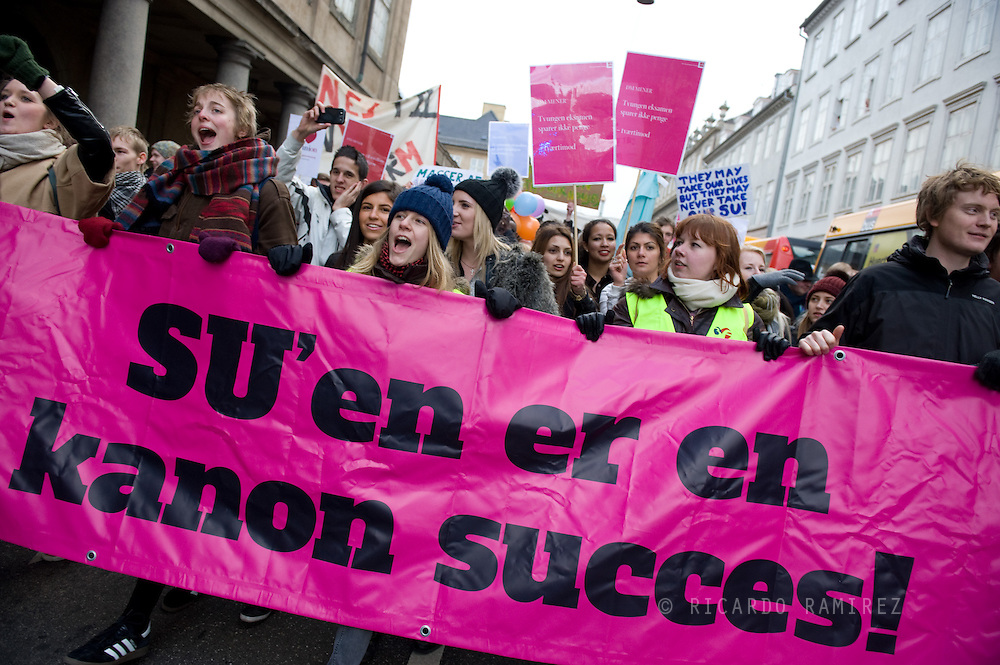 28.02.13. Copenhagen, Denmark..25,000 students demonstrated against government's SU-reform from the Town Square to Christiansborg Slotsplads in Copenhagen..Photo:© Ricardo Ramirez