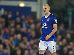 LIVERPOOL, ENGLAND - Tuesday, October 27, 2015: Everton's Darron Gibson celebrates after scoring his side's fourth penalty of the shoot-out during the Football League Cup 4th Round match against Norwich City at Goodison Park. (Pic by David Rawcliffe/Propaganda)