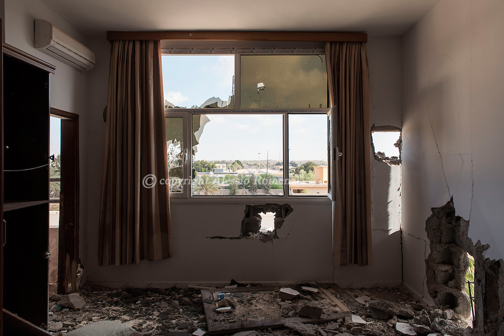 Libya: Destruction in an abandoned house used by fighters sympathising with Libya's Government of National Accord's (GNA) in Sirte. Alessio Romenzi