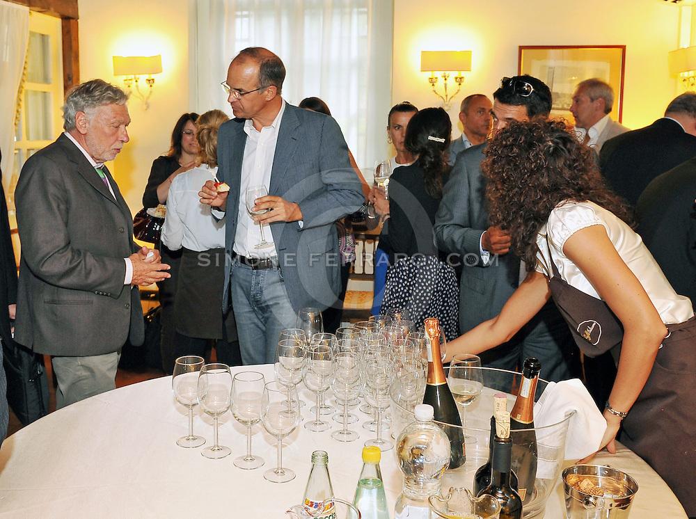 Udine, 03 luglio 2013<br /> InRail. <br /> Convegno presso Confindustria Udine. <br /> &quot;Crescita e trasporti in Friuli Venezia Giulia. Il trasporto merci ferroviario come opportunit&agrave;' per lo sviluppo dell'economia regionale&quot;.<br /> Relatori: Roberto Contessi (Vice Presidente Confindustria UD), Debora Serracchiani (Presidente Regione FVG), Omar Monestier (Direttore de Il Messaggero Veneto, moderatore), Guido Porta (Presidente InRail), Tullio Bratta (Amministratore delegato Inter-Rail), Corrado Leonarduzzi (Amministratore Unico Ferrovie Udine-Cividale, FUC), Francesco Parisi (Amministratore delegato gruppo Parisi e EMT), Antonio Guerrieri (Amministratore delegato Alpe Adria) e Franco Mattiussi (Assessore infrastrutture Provincia Udine).<br /> &copy; foto di Simone Ferraro