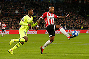 Barcelona player Nelson Semedo (l) and PSV player Steven Bergwijn (r) during the UEFA Champions League, Group B football match between PSV Eindhoven and FC Barcelona on November 28, 2018 at Philips Stadium in Eindhoven, Netherlands - Photo Thomas Bakker / Pro Shots / ProSportsImages / DPPI