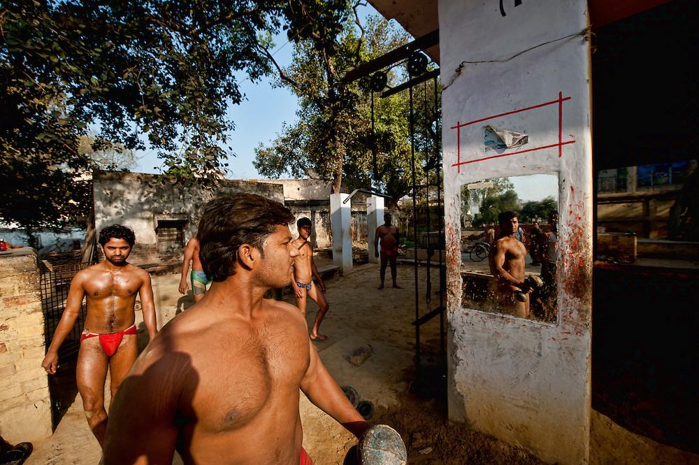 Asia, India, Uttar Pradesh, Varanasi, Benares, Banaras, Kashi Akhara