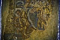 Fondee au vie siecle av. J.-C., elle est detruite en même temps qu'Herculanum, Oplontis et Stabies, lors de l'eruption du Vesuve en l'an 79 apr. J.-C. Enfouie sous plusieurs metres de sediments volcaniques, preservee des intemperies et des pillages, la ville tombe dans l'oubli pendant quinze siecles. Redecouverte fortuitement au XVIIe siecle, l'etat de conservation de l'ancienne cite romaine est remarquable : les fouilles entreprises a partir du XVIIIe siecle permettront d'exhumer une ville florissante, precieux temoignage de l'urbanisme et de la civilisation de la Rome antique. Le site archeologique est classe au patrimoine mondial de l'UNESCO depuis 1997, avec Herculanum et Torre Annunziata.