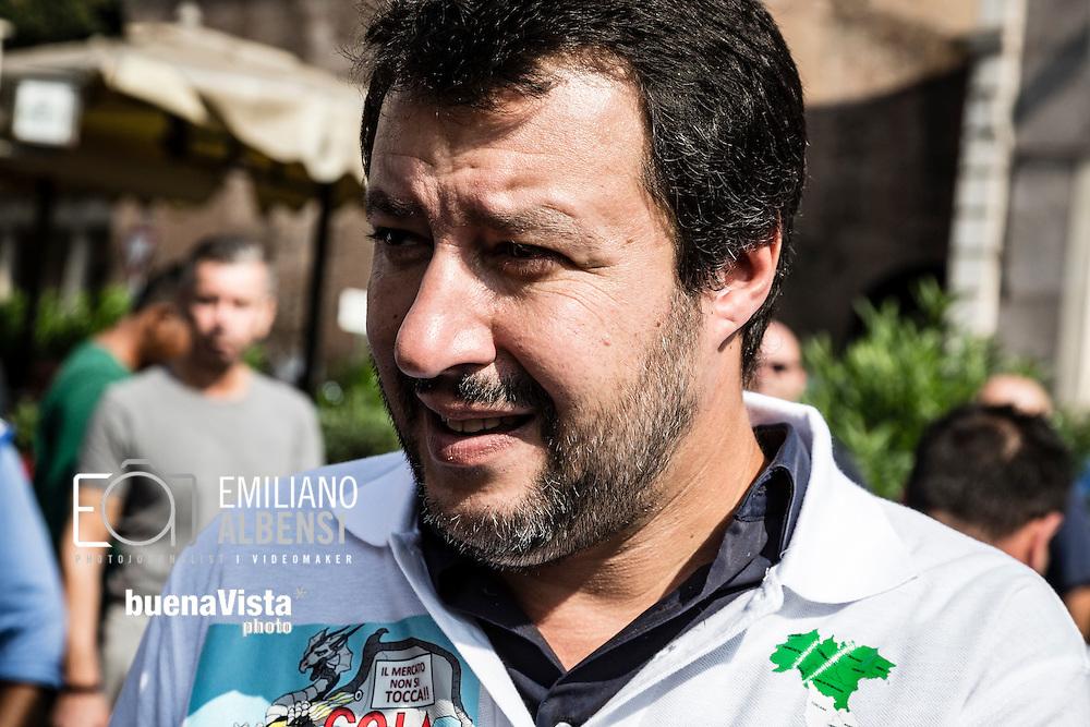 Emiliano Albensi<br /> 28/09/2016 Roma (Italia)<br /> Manifestazione &quot;No Bolkestein&quot; con Di Maio e Salvini<br /> Nella foto: Matteo Salvini, leader della Lega Nord, durante la manifestazione organizzata dagli ambulanti di tutta Italia contro la direttiva Bolkestein, imposta dall'Unione Europea e che prevede la messa a bando delle licenze. <br /> <br /> Emiliano Albensi<br /> 28/092016 Rome (Italy)<br /> &quot;No Bolkestein&quot; Demonstration with Di Maio and Salvini<br /> In the picture: Matteo Salvini, Northern League party, at the demonstration organized by Italian peddlers against the Bolkestein directive, imposed by the European Union and according to which it will be issued a tender for all the Licenses.
