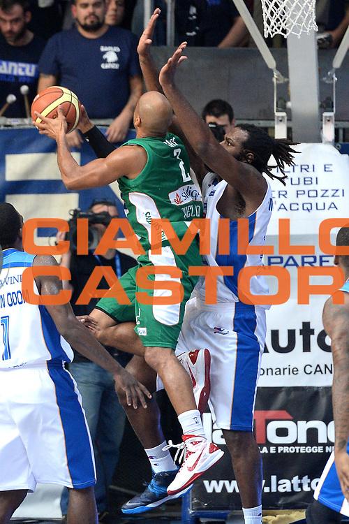 DESCRIZIONE : Cant&ugrave; Lega A 2014-15 Acqua Vitasnella Cant&ugrave; vs Sidiga Avellino<br /> GIOCATORE : Gaines Sundiata<br /> CATEGORIA : Tiro<br /> SQUADRA : Sidigas Avellino<br /> EVENTO : Campionato Lega A 2014-2015<br /> GARA : Acqua Vitasnella Cant&ugrave; vs Sidigas Avellino<br /> DATA : 19/10/2014<br /> SPORT : Pallacanestro <br /> AUTORE : Agenzia Ciamillo-Castoria/I.Mancini<br /> Galleria : Lega Basket A 2014-2015<br /> Fotonotizia : Cant&ugrave; Lega A 2014-2015 Acqua Vitasnella Cant&ugrave; vs Sidigas Avellino<br /> Predefinita :