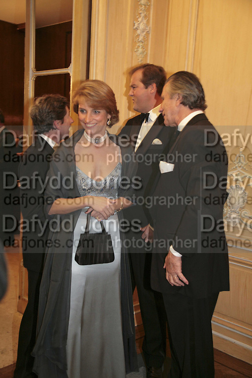 Lady Carolyn Warren, Harry Herbert and Arnaud Bamberger ,Cartier Racing Awards , Four Seasons Hotel, Hamilton Place, London, W1, 15 November 2006. ONE TIME USE ONLY - DO NOT ARCHIVE  © Copyright Photograph by Dafydd Jones 66 Stockwell Park Rd. London SW9 0DA Tel 020 7733 0108 www.dafjones.com