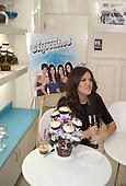 Khloe Kardashian Cupcakes 12/17/2009
