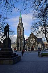No coração de Christchurch encontra-se a Catedral de Cristo, ponto principal de Cathedral Square. A idéia dos primeiros habitantes da região era construir o templo religioso logo após o desembarque, em 1864, mas a construção levou 40 anos devido a falta de verba. FOTO: Lucas Uebel/Preview.com