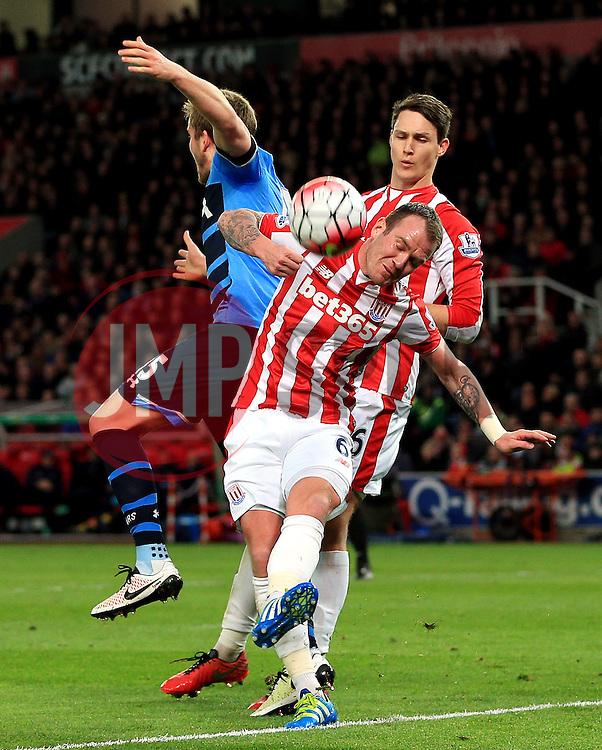 Glenn Whelan of Stoke City clears the ball - Mandatory by-line: Matt McNulty/JMP - 18/04/2016 - FOOTBALL - Britannia Stadium - Stoke, England - Stoke City v Tottenham Hotspur - Barclays Premier League