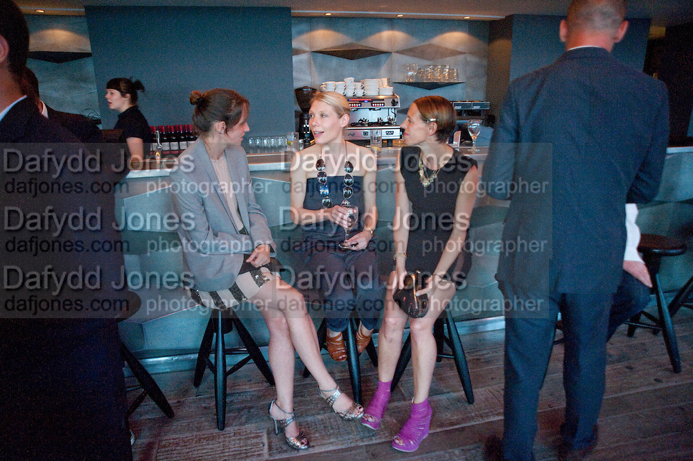 ROSEMARY FERGUSON; EMILY KING; TIPHAINE DE LUSSIS, Dinner hosted by Julia Peyton-Jones and Hans Obrist for the Council of the Serpentine to celebrate: Jeff Koons, Popeye Series. Paramount Club, Paramount Centre Point. London. 30 June 2009