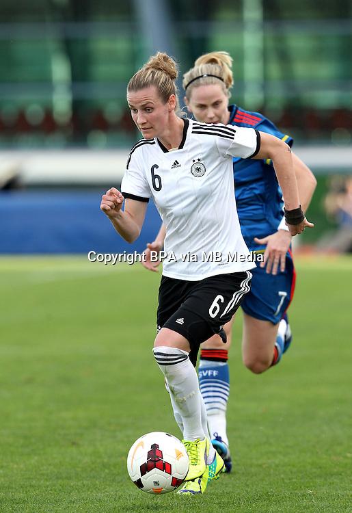 Fifa Womans World Cup Canada 2015 - Preview //<br /> Algarve Cup 2015 Tournament ( Vila Real San Antonio Sport Complex - Portugal ) - <br /> Germany vs Sweden 2-4   -  Simone Laudehr of Germany