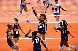 HONG KONG, May 30, 2018  Players of Italy celebrate during the match against Argentina at FIVB Volleyball Nations League 2018 in Hong Kong, south China, May 30, 2018. Italy won the match 3-0. (Credit Image: © Lo Ping Fai/Xinhua via ZUMA Wire)