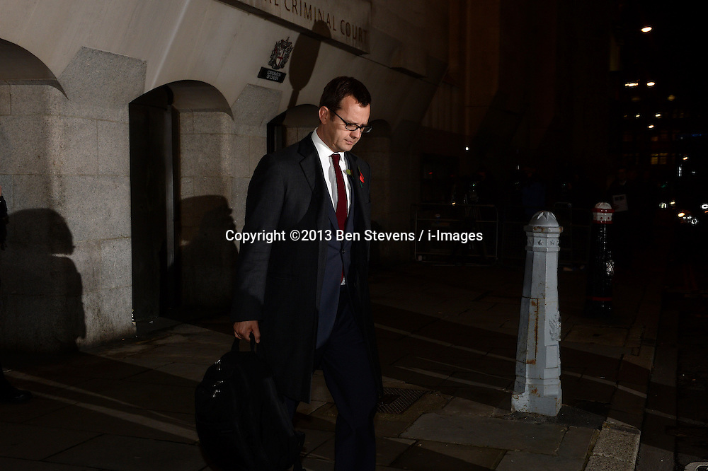 Andrew Coulson leaves court. Rebekah Brooks and Andy Coulson Phone hacking trial at The Old Bailey, London, United Kingdom. Thursday, 31st October 2013. Picture by Ben Stevens / i-Images