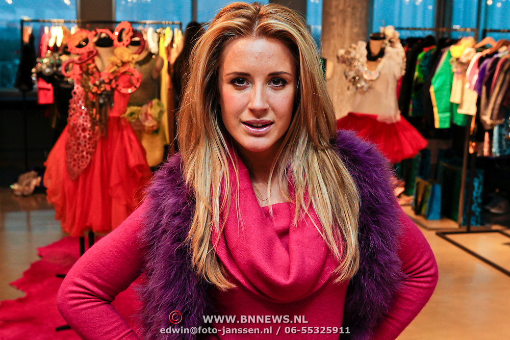 NLD/Amsterdam/20111207- Chantal Bles in haar studio,